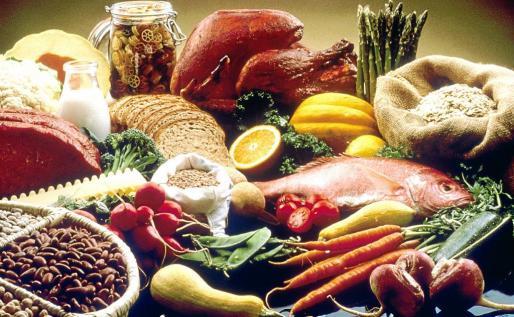 Decantarse por alimentos saludables es vital para mantener un peso adecuado.