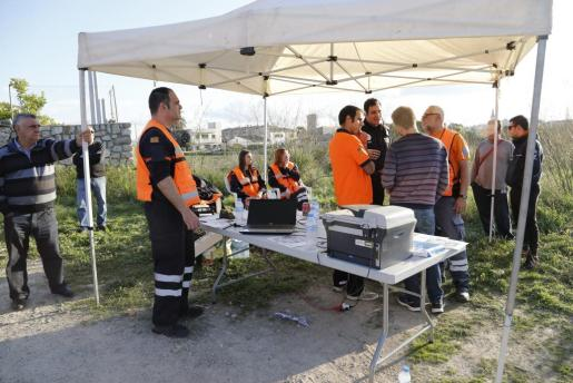 Equipos de emergencia en el punto de control del operativo.