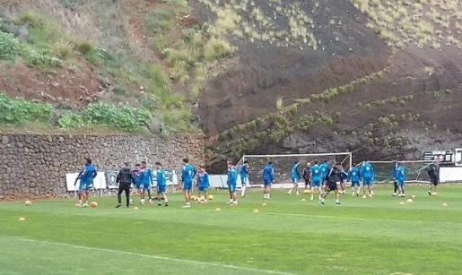 El Tenerife, durante un entrenamiento.