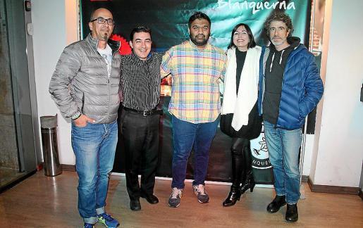 Julio Torres, Javier Gómez, Mitul Patel, Aina Solano y Martí Forteza.