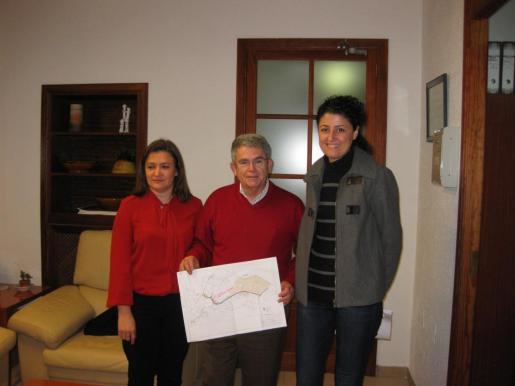 Mercedes Garrido, con Natalia Troya y Joan Cifre.