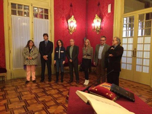 Esta mañana ha tomado posesión el Consejo de Dirección de IB3. De izquierda a derecha, Katherine Susan, José Luis Sintes, Maria Pau, Toni Mascaró, Margalida Cardona, Jordi Bayona y Andreu Manresa.