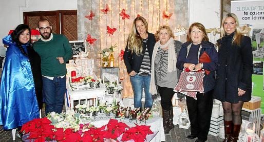 Marga Vilches, Daniel Ramis, Patricia Moliné, Isabel Ferrandis, Joana Ramis y Victoria de Vivero.