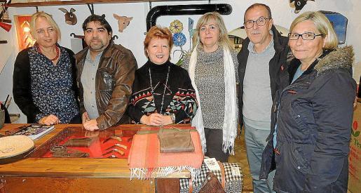 Christiane Hoenge, José Luis Mesas, Concha Camarena, Cati Gelabert Niell, Alejandro González y Rosa Montesinos.
