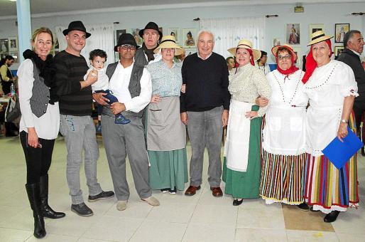 May Fernández de la Puente, Mateo Crespa, Alfredo Santos y Víctor, Alberto Miró, Celia Fajardo, José Miguel Martín, Fina Macías, Carmen López y Luisa Corcoles.
