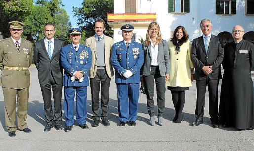 Teodoro Pou, Xavier Ramis, Manuel Fernández Roca, Marc Pons, Eusebio Lozano, Teresa Palmer, Charo Sanz, Rogelio Araujo y Manuel Redondo.