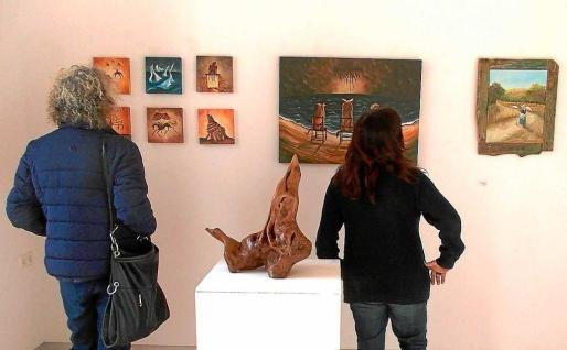 La exposición se inauguró el pasado lunes y está registrando una magnífica afluencia de público. Foto: MARTA VÁZQUEZ