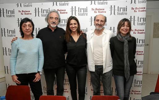 Rocío Calvo, Ricardo Joven, Ana Ruiz, José Luis Gil y Beatriz Santana, los protagonistas de la comedia 'Si la cosa funciona'.