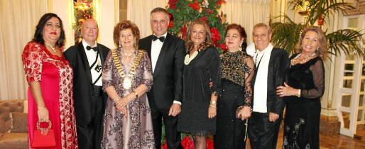 Sole Hidalgo, Onofre Prohens, María Fullana, Mateo Ponsetí, Magdalena Grúa, Encarna Puertas, Basilio Escudero y Marga Thomás.