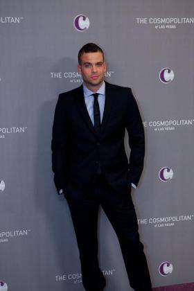 El actor Mark Salling, conocido por su papel como Noah «Puck» Puckerman en la serie «Glee», fue detenido hoy en Los Ángeles (Estados Unidos) acusado de posesión de pornografía infantil, informaron los medios especializados Variety y The Hollywood Reporter.
