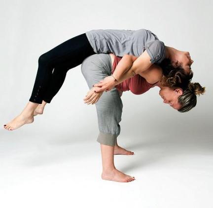 La terapia corporal integrativa tiene como base el trabajo corporal, liberando la coraza psico-muscular.