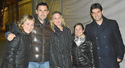 Xisca Riera, Manolo Oliver, Bàrbara Morey, Cati Sureda y Tolo Oliver.