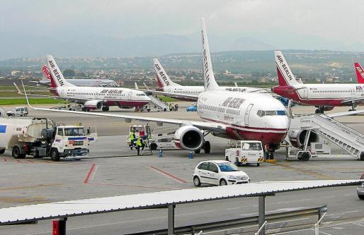La compañía inició el «hub», centro de distribución de tráfico, en el año 1998 en el aeropuerto de Palma.