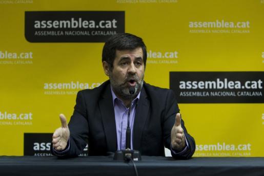 El presidente de la Asamblea Nacional Catalana (ANC), Jordi Sánchez, durante la rueda de prensa en la que ha anunciado este viernes que su entidad se retira de la negociación entre Junts pel Sí y la CUP.