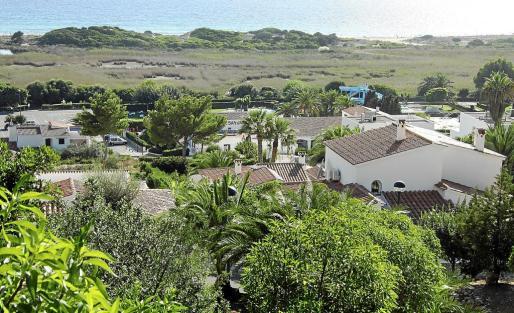 Desarrollo urbano de viviendas vacacionales en una de las zonas turísticas más demandadas de Menorca.