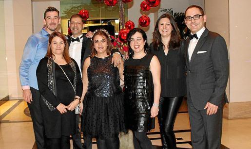 Julio Gómez, Antonio Russo, Maribel Alguacil, Amparo García, Montse Gómez, Aida Vizcaíno e Ignacio Cebrián, director del Hotel Tryp Bellver.