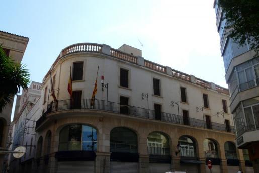 Fachada del Ajuntament de Manacor.