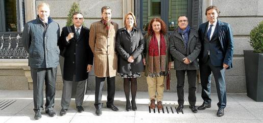 Ramon Socias, José Vicente Marí, Fernando Navarro, Águeda Reynés, Mae de la Concha, Juan Pedro Yllanes y Mateo Isern.