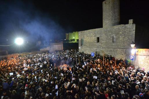 """""""Assaig dels Goigs"""", un multitudinario acto con el que se empieza a caldear el ambiente para Sant Antoni."""