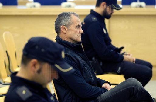 El exdirigente de ETA José Javier Arizkuren Ruiz, 'Kantauri', durante el juicio contra él en la Audiencia Nacional por ordenar el asesinato del concejal del PP Alberto Jiménez-Becerril y su esposa, muertos a tiros en Sevilla el 30 de enero de 1998.