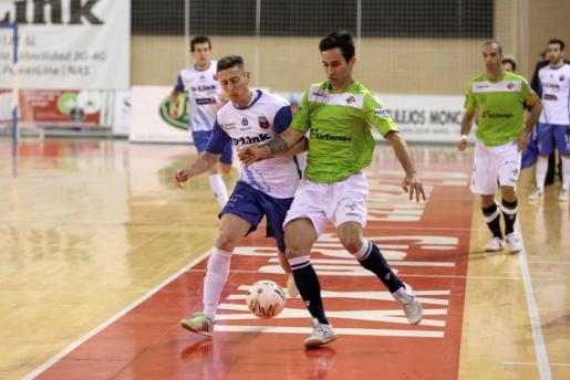 Un momento del encuentro entre el Dlink Zaragoza y el Palma Futsal. Foto: Rubén Losada