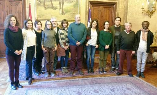 Ensenyat, Garrido y Espeja con los representantes de la Plataforma Volem Via Verda.