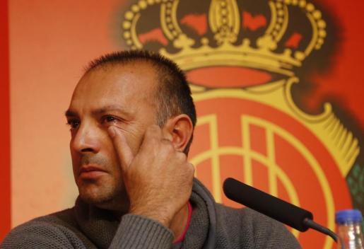 Pepe Gálvez no ha podido evitar las lágrimas cuando se despedía del Mallorca y su afición tras su destitución como entrenador del primer equipo.