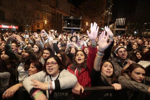 Numeroso público asistió al Palma 40 Pop.