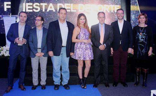 Pep Lluís Pons, Emerico Fuster, Ximo González, Mónica Hoyos, Javier Sanz, José Hilla y Margalida Portells, directora insular de Deportes.