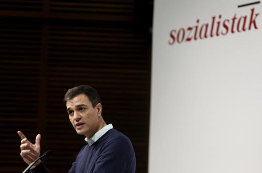 El secretario general del PSOE, Pedro Sánchez, durante su participación en un acto político de su partido celebrado este martess en San Sebastián.