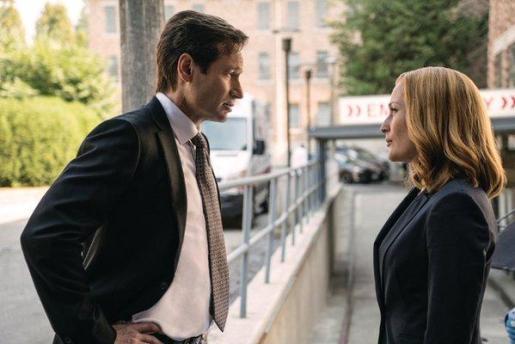 Fox Mulder y Dana Scully, los agentes del FBI interpretados por David Duchovny y Gillian Anderson en «expediente X»
