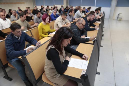 Los aspirantes se han enfrentado al examen teórico.