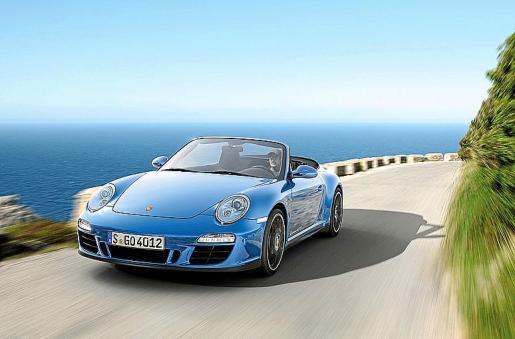 El año pasado se vendieron 60 coches de la marca Porsche en las Islas.