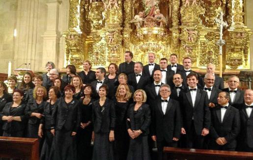 Parte del Coro Parroquial que participó en el viaje a Burgos.