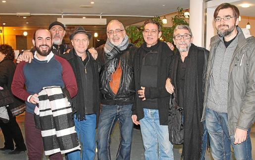 Daniel Ramis, Xavi Rodríguez, Lluís Bovino, Antoni Bennàssar, Salvador Sbert, Lluís Caldas y Joan Carles Tomàs.