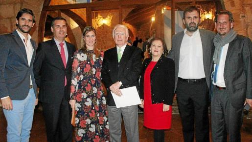 Yago González, Héctor Llanza, Ana Nieto, el presidente de la Asociación de Campos de Golf de Mallorca, Federico Knuchel; Carmen Dameto, Bernat Llobera y Keistoh Both.