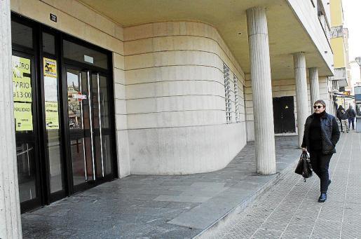 La exalcaldesa de Alcúdia Coloma Terrassa, a su llegada a los juzgados.