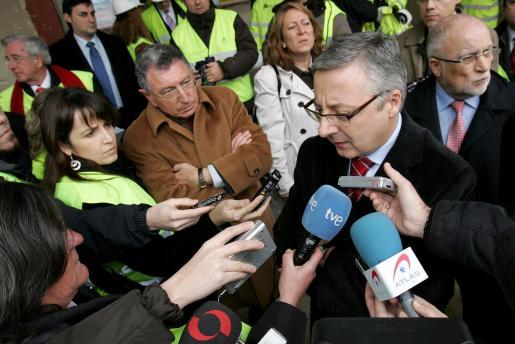 Declaraciones del ministro de Fomento, José Blanco, ante la prensa.