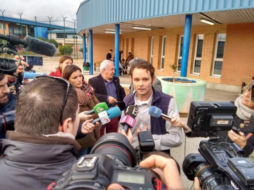 El ciudadano holandés Romano Liberto Van Der Dussen, encarcelado desde hace doce años, ha abandonado este jueves la prisión de Palma para ser puesto en libertad, un día después de que el Supremo anulara la pena de seis años por una de las tres agresiones sexuales por las fue condenado.