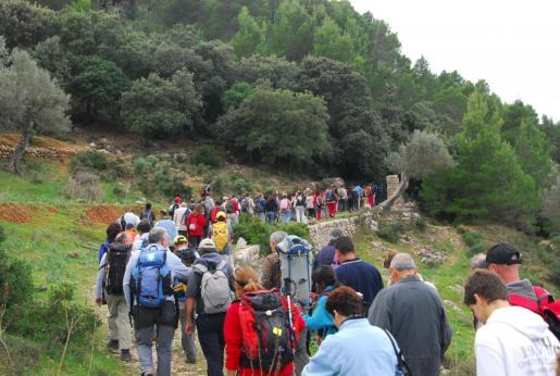 Una de las excursiones reivindicativas para reclamar el carácter público de varios caminos de Banyalbufar.