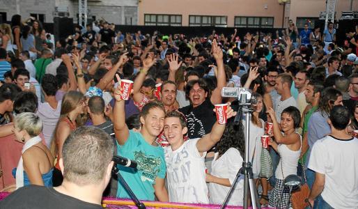 El gran número de asistentes a la fiesta Revival confirma el gran éxito que tiene este encuentro entre los jóvenes.