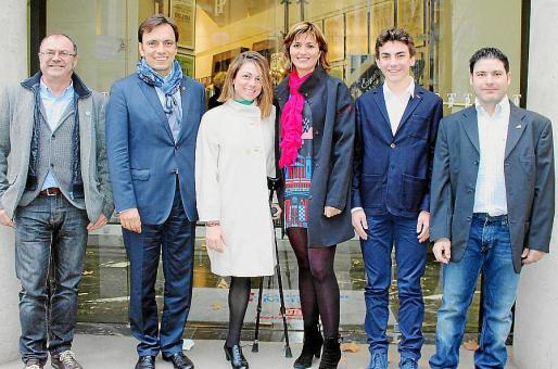 Tolo Aguilar, Francesc Miralles, Úrsula Pueyo, Margalida Portells, el galardonado Lluís Martín Coll, y Rafael Abrines.