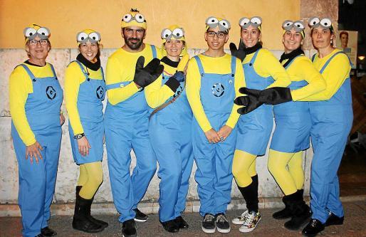 Los Minions: Loli García, Beatriz Moranta, Enrique Zálvez, Eugenia Cifre, Miquel Durán, Loli, Rosalía y María Cazallas.