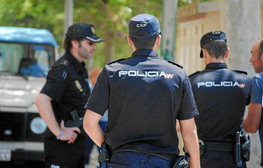 El Cuerpo Nacional de Policía investiga los dos asaltos en las viviendas de la millonaria familia.