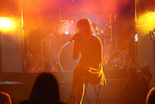 Sa Posada de Bellver permite a músicos y cantantes subirse al escenario para demostrar su talento.