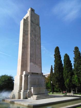 Monumento al crucero 'Baleares' en sa Feixina.