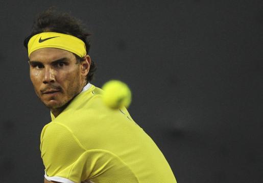 Rafael Nadal ddurante el encuentro contra Nicolás Almagro en el torneo Rio Open de Tenis, en la ciudad de Río de Janeiro.