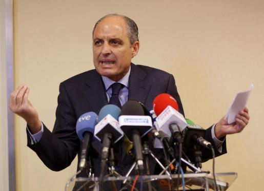 El expresident de la Generalitat Francisco Camps en una comparecencia ante los periodistas en un hotel de València.