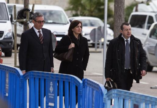 Diego Torres, su mujer Ana María Tejeiro, y el abogado Manuel González Peeters, a su llegada al juicio del Nóos.