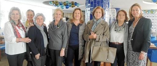 Antonia Llobera, Pepa Granda, Guillermina Gaspart, Catalina Llabrés, Carmen Fuster, Margarita Cortés, Virginia Lacour y May Fernández de la Puente.